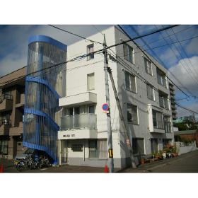 北海道札幌市中央区、西18丁目駅徒歩24分の築24年 4階建の賃貸マンション
