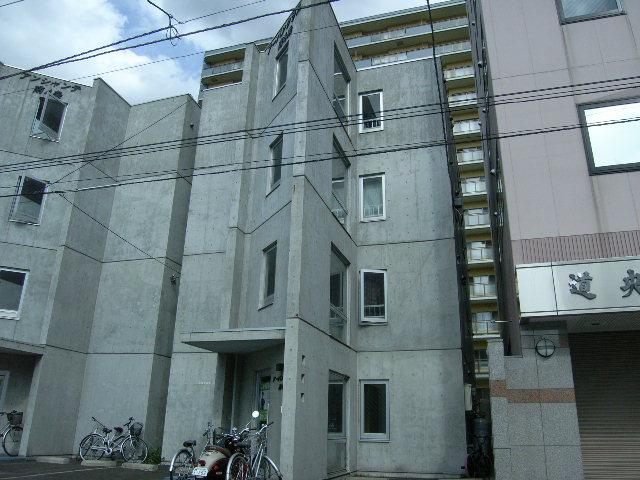 北海道札幌市中央区、バスセンター前駅徒歩7分の築15年 4階建の賃貸マンション