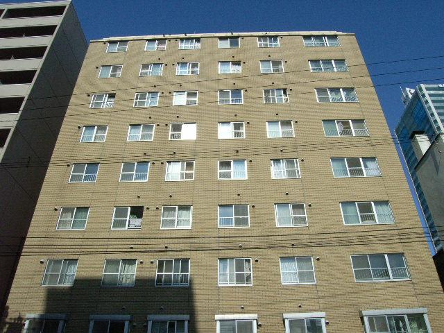 北海道札幌市中央区、バスセンター前駅徒歩4分の築33年 10階建の賃貸マンション