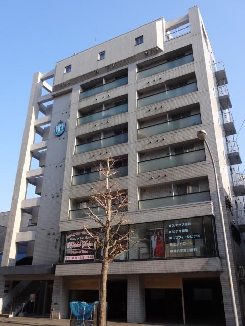 北海道札幌市中央区、西18丁目駅徒歩3分の築30年 8階建の賃貸マンション