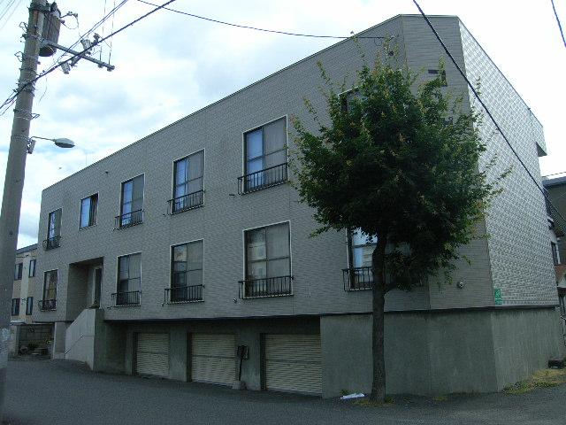 北海道札幌市中央区、苗穂駅徒歩12分の築35年 2階建の賃貸アパート
