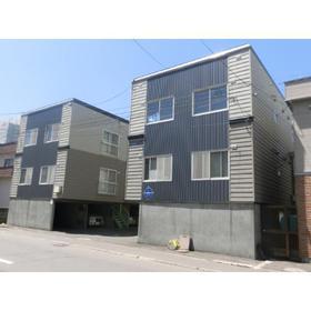北海道札幌市中央区、西線9条旭山公園通駅徒歩8分の築29年 3階建の賃貸アパート