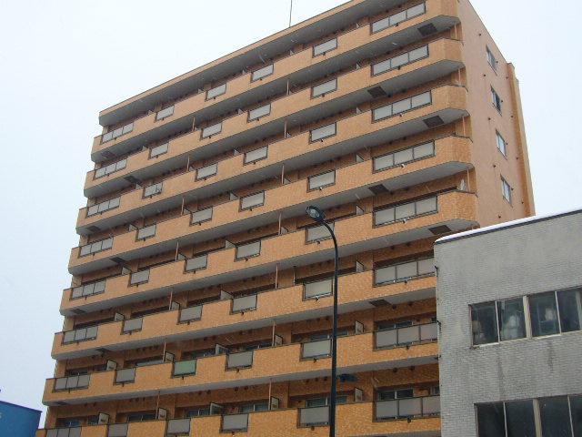 北海道札幌市中央区、西18丁目駅徒歩5分の築33年 10階建の賃貸マンション