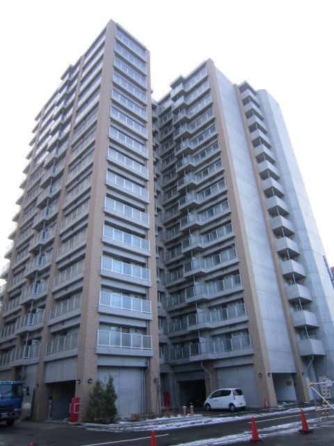北海道札幌市中央区、札幌駅徒歩7分の築10年 15階建の賃貸マンション