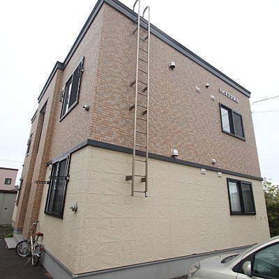 北海道江別市、大麻駅徒歩5分の築13年 2階建の賃貸アパート