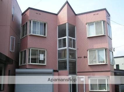 北海道札幌市北区、八軒駅徒歩14分の築26年 3階建の賃貸アパート