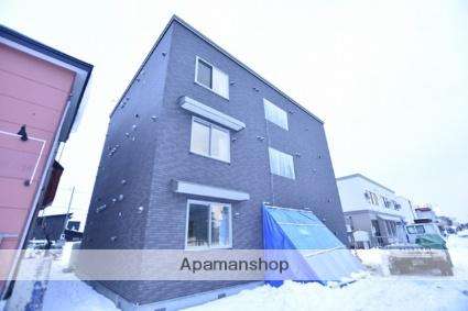 北海道札幌市北区、あいの里教育大駅徒歩17分の新築 3階建の賃貸アパート