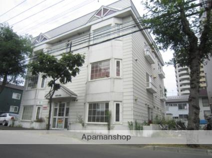 北海道札幌市北区、北24条駅徒歩9分の築28年 3階建の賃貸アパート