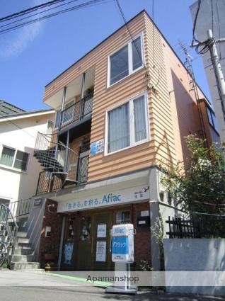 北海道札幌市北区、北34条駅徒歩20分の築33年 3階建の賃貸アパート