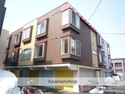 北海道札幌市東区、新道東駅徒歩18分の築9年 3階建の賃貸アパート