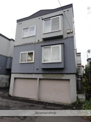 北海道札幌市東区、北18条駅中央バスバス12分環状通東下車後徒歩3分の築20年 3階建の賃貸アパート