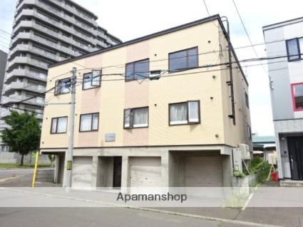 北海道札幌市北区、麻生駅中央バスバス14分新琴似6−16下車後徒歩4分の築10年 3階建の賃貸アパート