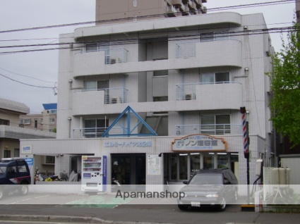 北海道札幌市東区、北12条駅徒歩15分の築30年 4階建の賃貸マンション