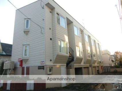 北海道札幌市東区、北18条駅徒歩14分の築30年 3階建の賃貸アパート