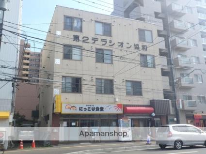 北海道札幌市北区、北18条駅徒歩8分の築33年 4階建の賃貸マンション
