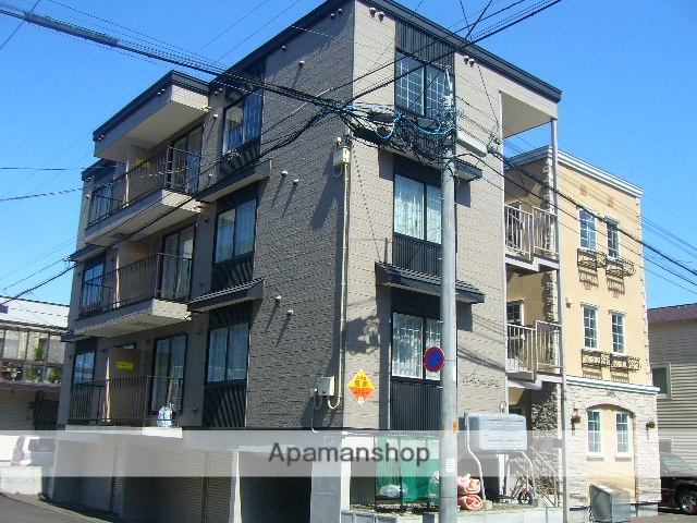 北海道札幌市中央区、静修学園前駅徒歩7分の築15年 3階建の賃貸アパート