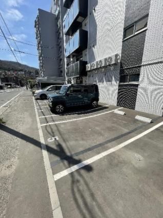 メゾンMTーS17[2LDK/55.62m2]の駐車場