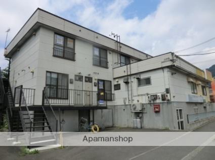 北海道札幌市南区、真駒内駅じょうてつバスバス18分石山2−8下車後徒歩2分の築33年 2階建の賃貸アパート