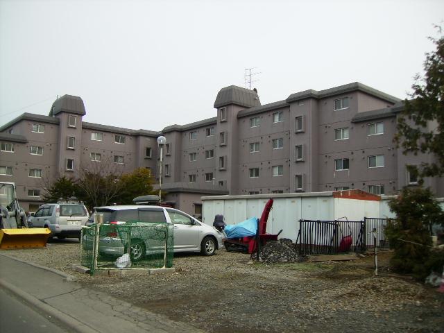 北海道札幌市豊平区、南平岸駅徒歩12分の築35年 4階建の賃貸マンション