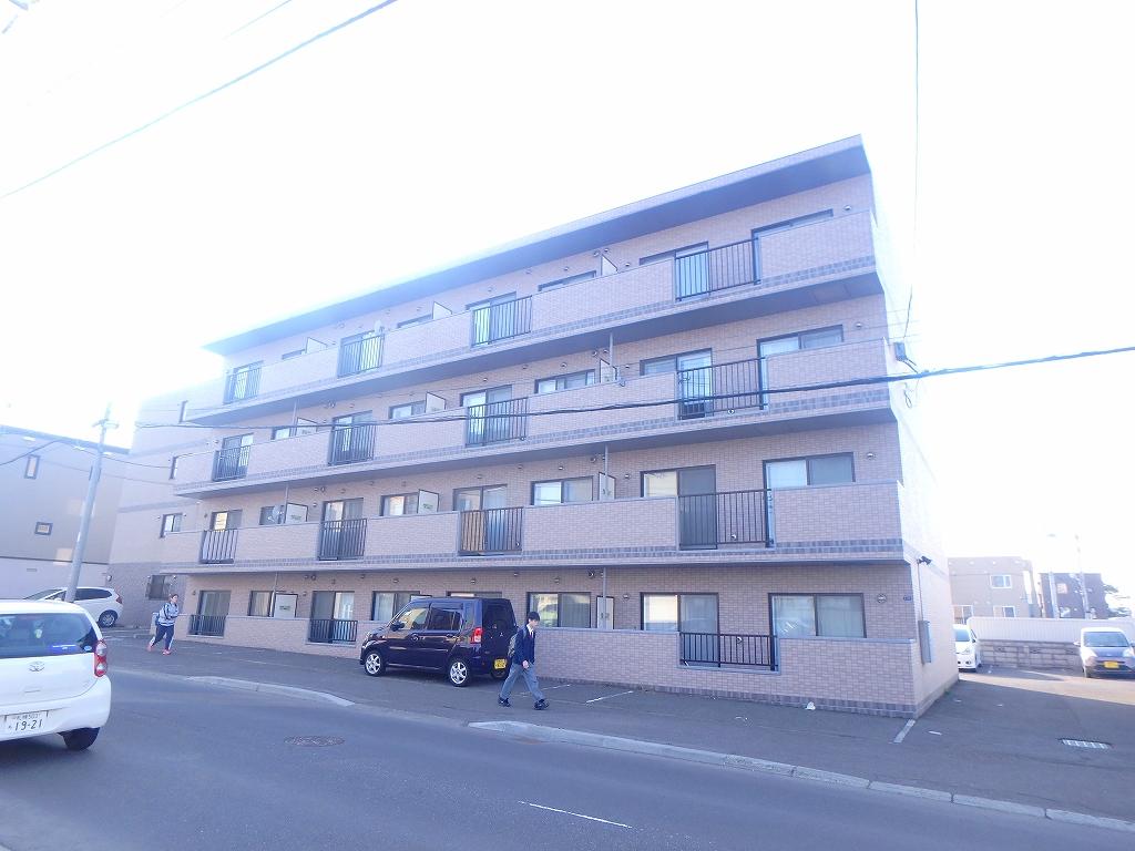 北海道札幌市西区、発寒駅徒歩17分の築15年 4階建の賃貸マンション