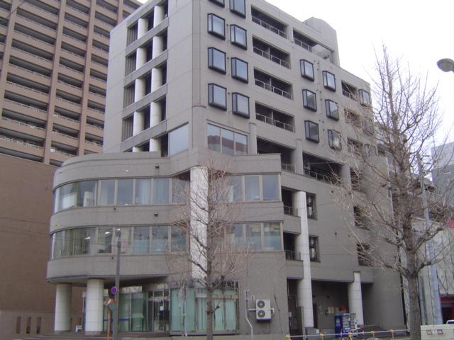 北海道札幌市中央区、西11丁目駅徒歩7分の築27年 8階建の賃貸マンション