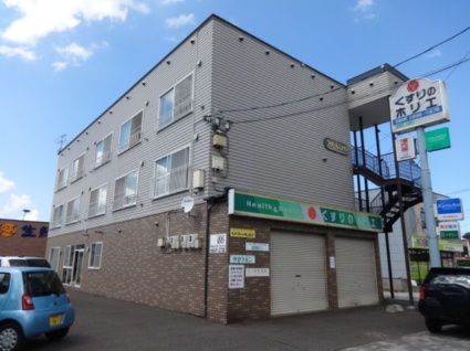 北海道札幌市西区、発寒中央駅徒歩12分の築22年 3階建の賃貸アパート