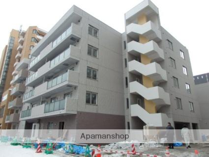 北海道札幌市中央区、すすきの駅徒歩7分の築2年 5階建の賃貸マンション