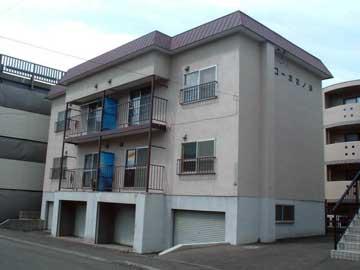 北海道札幌市西区、発寒駅徒歩18分の築33年 3階建の賃貸アパート
