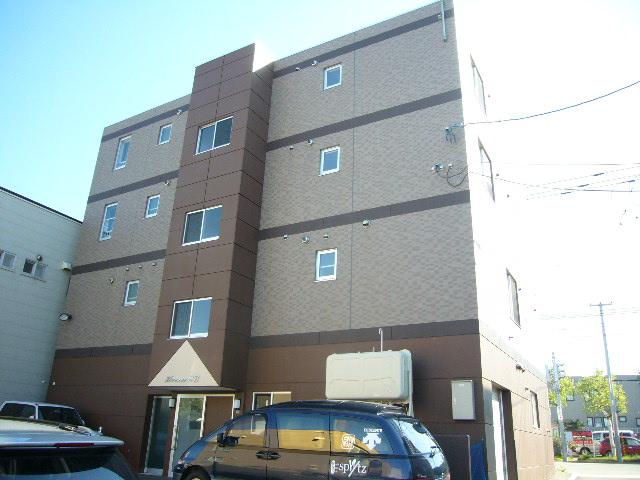 北海道札幌市中央区、西28丁目駅徒歩15分の築12年 4階建の賃貸マンション