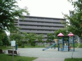 北海道札幌市中央区、西28丁目駅徒歩17分の築28年 7階建の賃貸マンション