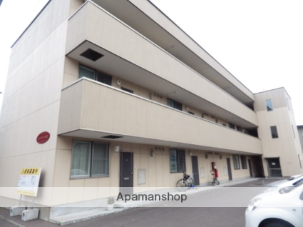 北海道函館市の築10年 3階建の賃貸アパート