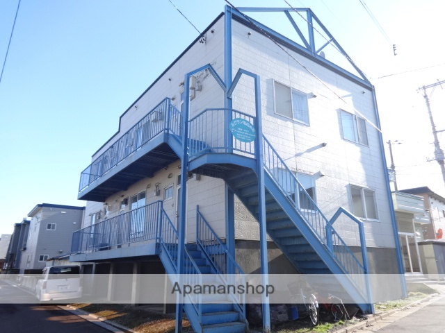 北海道函館市、五稜郭駅徒歩12分の築27年 3階建の賃貸アパート