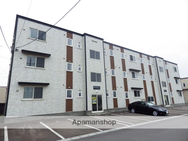北海道北斗市、久根別駅徒歩9分の築10年 3階建の賃貸アパート