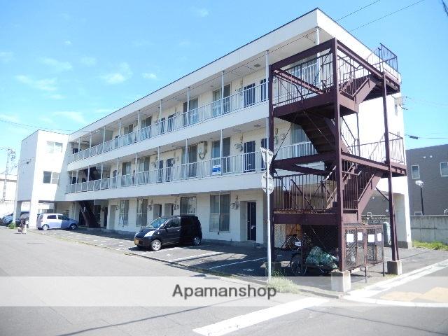 北海道函館市、堀川町駅徒歩9分の築20年 3階建の賃貸アパート