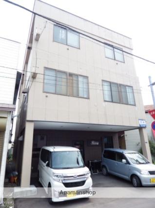 北海道函館市の築33年 3階建の賃貸アパート