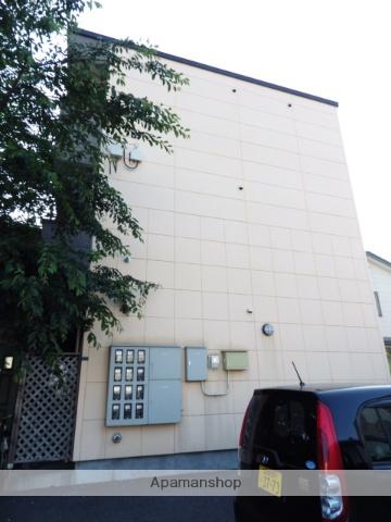 北海道函館市、五稜郭公園前駅徒歩8分の築12年 3階建の賃貸アパート