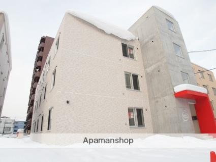 北海道札幌市豊平区、中島公園駅徒歩14分の築3年 3階建の賃貸マンション
