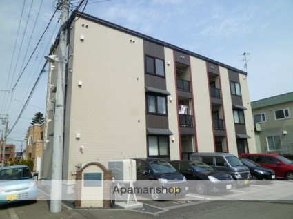 北海道札幌市西区、八軒駅徒歩10分の築10年 3階建の賃貸アパート