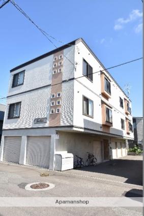 北海道札幌市西区、琴似駅徒歩19分の築9年 3階建の賃貸アパート