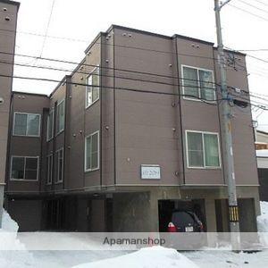 北海道札幌市西区、八軒駅徒歩6分の築16年 3階建の賃貸アパート