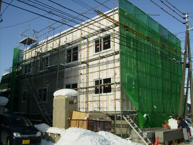 北海道札幌市東区、栄町駅徒歩8分の築9年 3階建の賃貸アパート