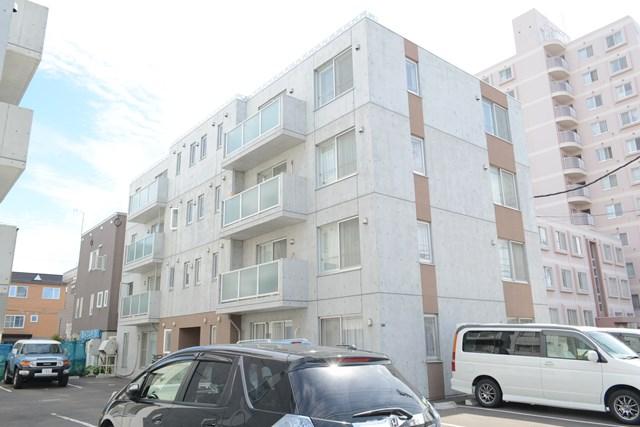 北海道札幌市東区、新道東駅徒歩18分の築6年 4階建の賃貸マンション