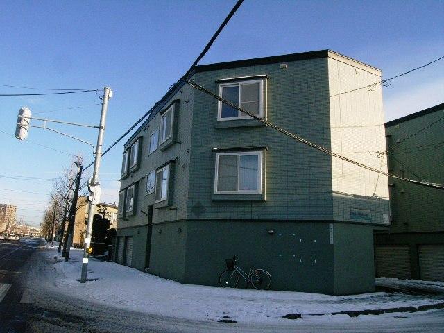 北海道札幌市東区、栄町駅徒歩15分の築21年 3階建の賃貸アパート