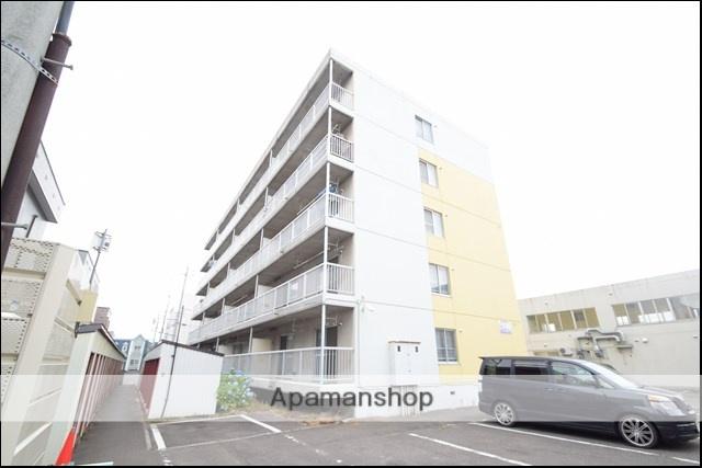 北海道札幌市東区、新道東駅徒歩17分の築32年 5階建の賃貸マンション