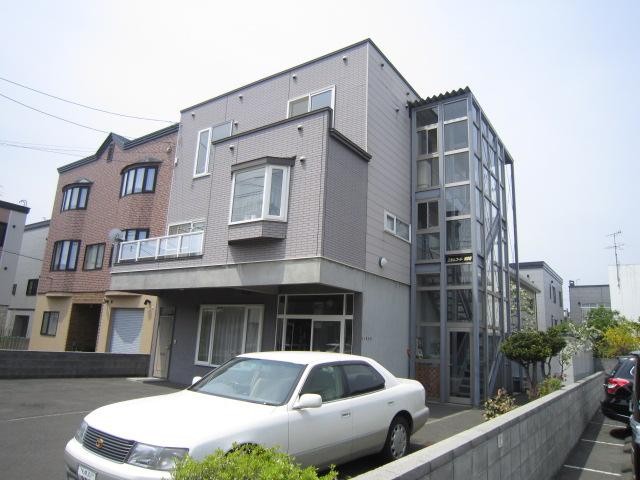 北海道札幌市北区、新川駅徒歩8分の築21年 3階建の賃貸アパート