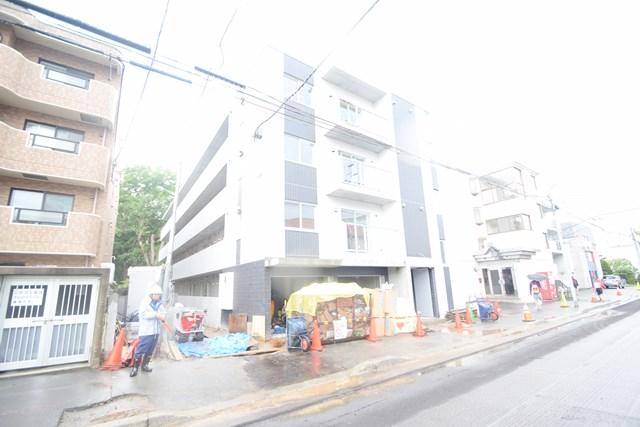 北海道札幌市北区、北24条駅徒歩13分の新築 4階建の賃貸マンション