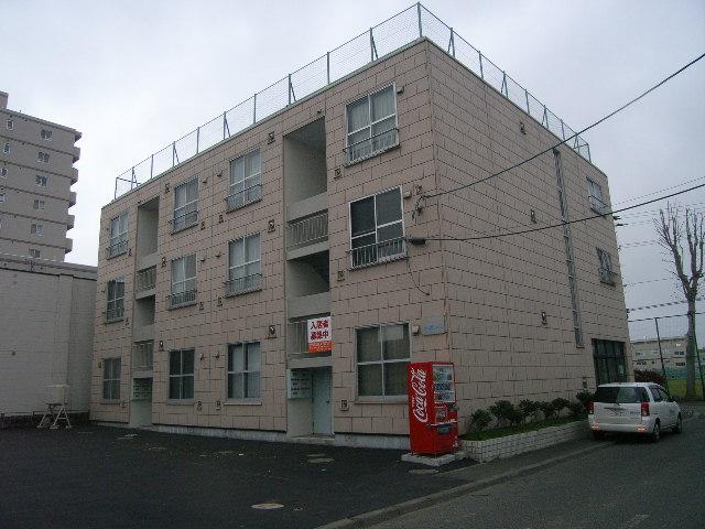 北海道札幌市東区、元町駅徒歩11分の築31年 3階建の賃貸マンション
