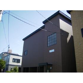 北海道札幌市東区、北18条駅徒歩15分の築10年 2階建の賃貸アパート
