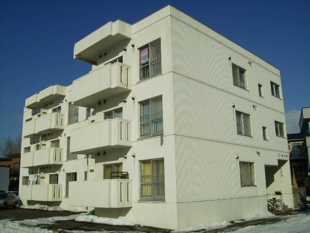北海道札幌市東区、北24条駅中央バスバス15分伏古7−3下車後徒歩5分の築30年 3階建の賃貸マンション