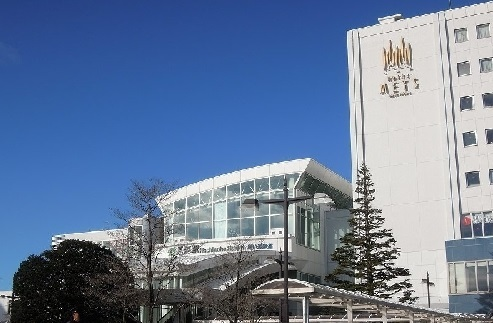 八戸駅 2100m